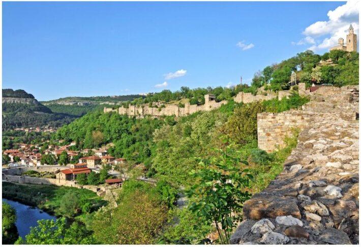 Bulgaria-1002 - Overlooks the Valley